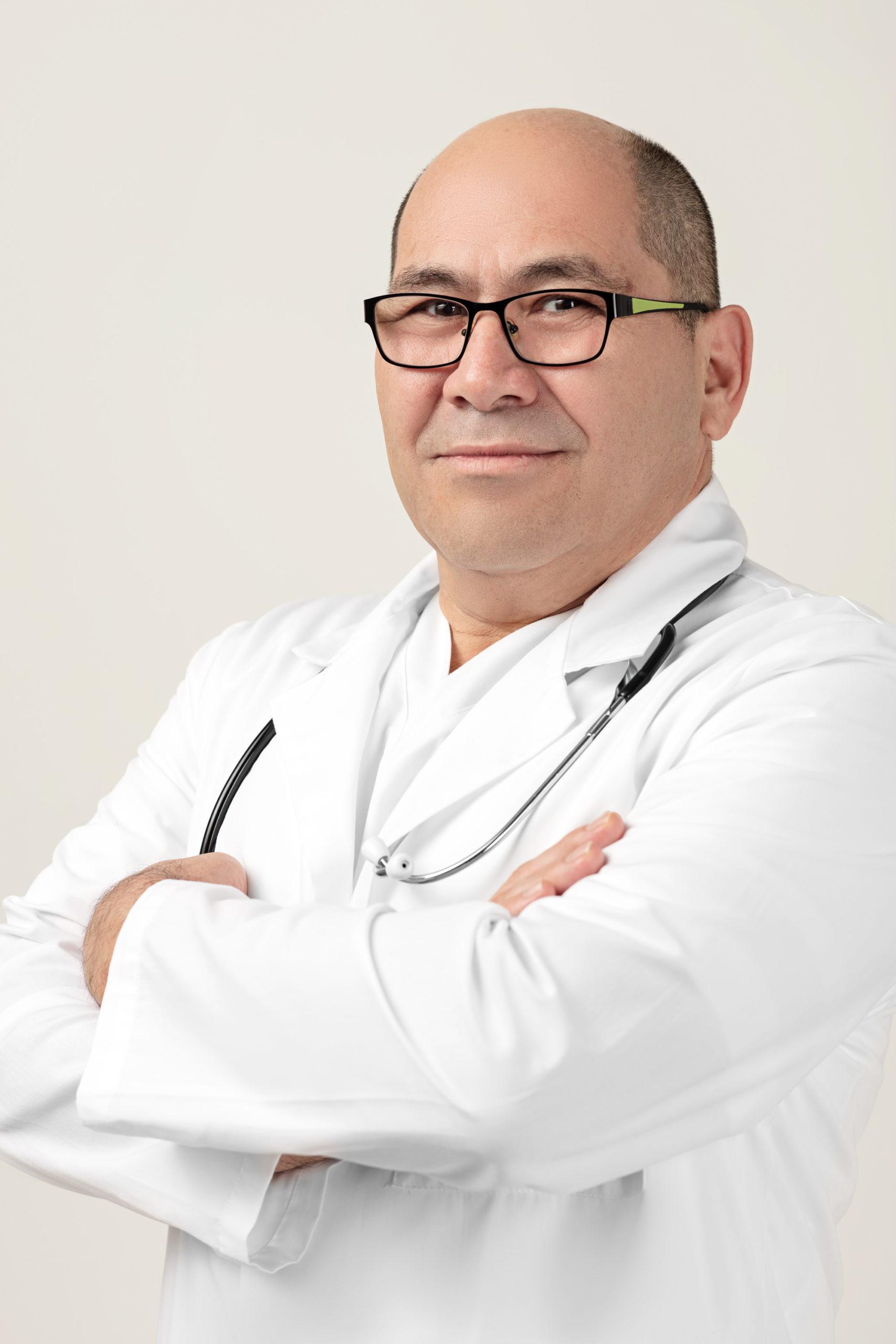 Dr. Miguel Gutierrez Pineda